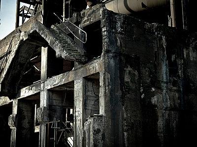 Alte Industrieanlage - p416m991148 von Stephan Jouhoff