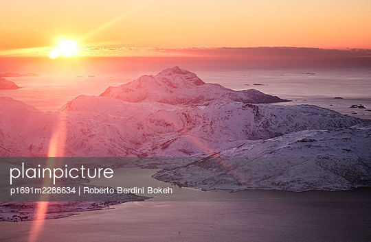 Tromso sunset - p1691m2288634 by Roberto Berdini Bokeh