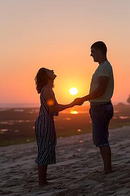 Sonnenuntergang am Strand - p1108m1503463 von trubavin