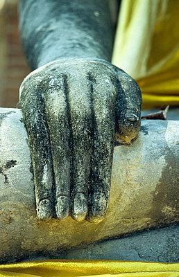 Hand eines Buddhas - p9791594 von Heyens