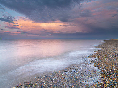 Stunning evening colours at the North Beach - p871m873394 by Jon Gibbs