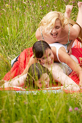 Girl friends - p888m956287 by Johannes Caspersen