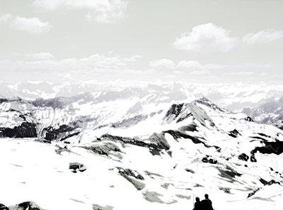 Berglandschaft im Winter - p1270m1114273 von Henrike Stahl