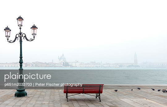 p651m2033703 von Peter Fischer