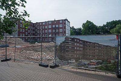Change - p347m1090398 by Georg Kühn