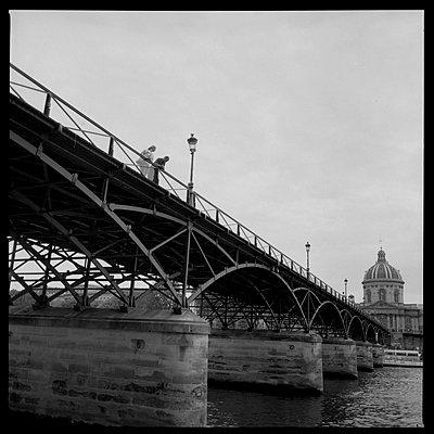 Paris, Pont des Arts - p1654m2253691 by Alexis Bastin