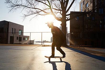 Skateboarder - p1411m2057753 by Florent Drillon