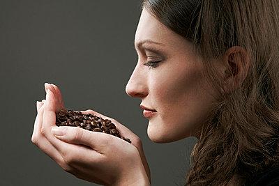 Coffee fragrance - p2610599 by Jens Rufenach