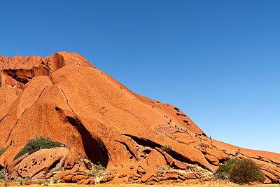 Australien Heiliger Ort Ayers Rock Uluru - p1275m2032070 von cgimanufaktur