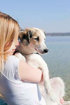 Hund und Frauchen - p4350122 von Stefanie Grewel