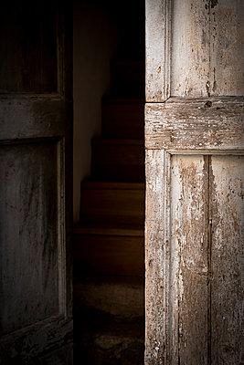 Geheimnisvoller Eingang - p220m1496872 von Kai Jabs