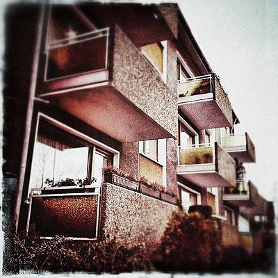 Wohnblock - p586m781001 von KNSY Bande