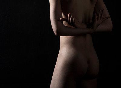 Nackte Frau - p1139m1195041 von Julien Benhamou