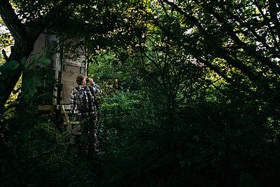 Jäger am Freisitz - p1076m1439869 von TOBSN