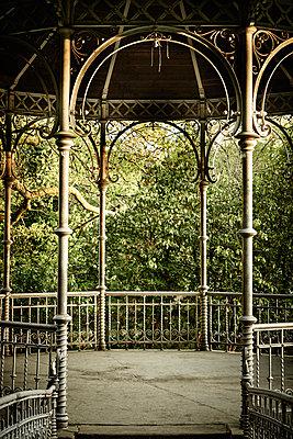 Deserted pavillion in a park - p1312m2216070 by Axel Killian