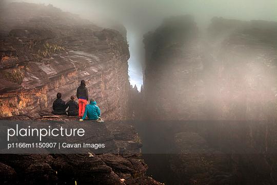 p1166m1150907 von Cavan Images