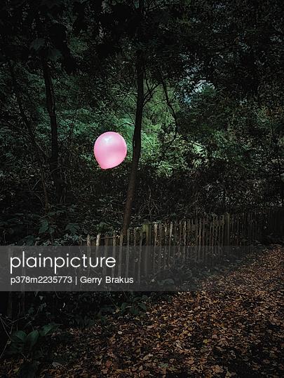 Pink balloon - p378m2235773 by Gerry Brakus