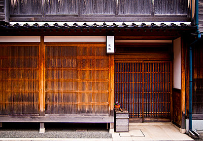 Traditional teahouse entrance in Kanazawa, Japan, Asia - p934m1177233 by Dominic Blewett