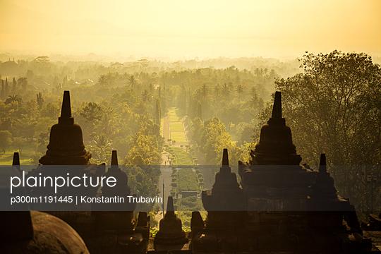 Indonesia, Java, Borobudur Temple Complex - p300m1191445 by Konstantin Trubavin