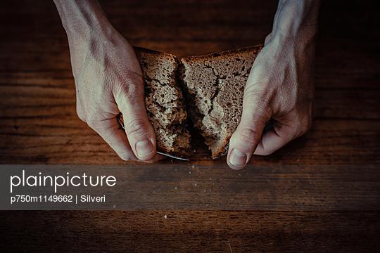 Hunger - p750m1149662 von Silveri