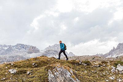 Wanderer in den Dolomiten, Südtirol - p1396m1502302 von Hartmann + Beese