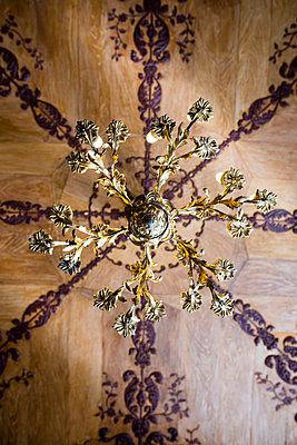 Chandelier in Vorontsov Palace - p1046m1138239 by Moritz Küstner