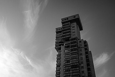 High rise with apartments, Benidorm, Spain - p1598m2164425 by zweiff Florian Bier