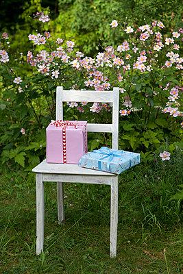 Die Geschenke warten - p454m739753 von Lubitz + Dorner