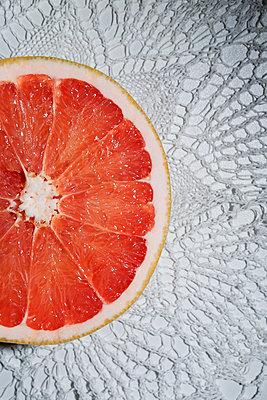 Grapefruit - p1149m1147202 by Yvonne Röder