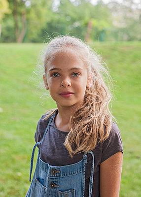 Girl in park - p429m2019419 by Seb Oliver