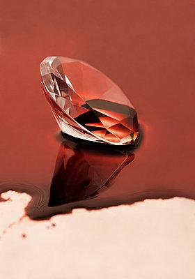 Blood diamond - p971m903604 by Reilika Landen