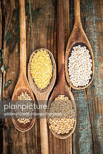 Buckwheat, barley, bulgur and oats - p300m2103685 by Giorgio Fochesato