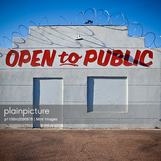 Closed Business With Advertisement - p1100m2090878 by Mint Images