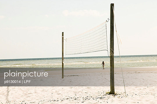 Frau am Strand - p9130014 von LPF