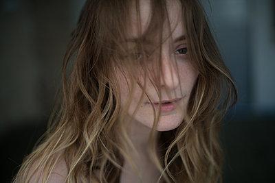 Blonde woman - p1321m2126132 by Gordon Spooner