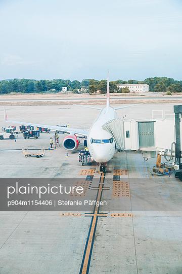 Flugzeug - p904m1154406 von Stefanie Neumann