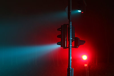 Traffic light at night - p865m2007993 by atomara