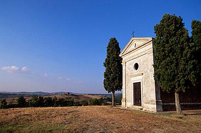 Vitaleta Christian chapel near Pienza, Val d'Orcia, Siena Province, Tuscany, Italy, Europe - p8711828 by Sergio Pitamitz