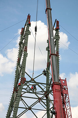 Power pole construction - p375m1051032 by whatapicture