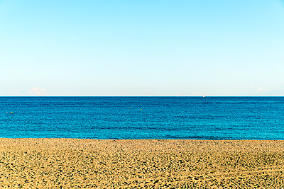 The beach of Barcelona in Autumn  - p1332m1502810 by Tamboly