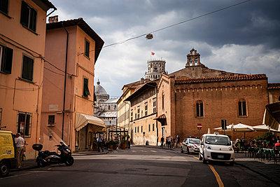 Italy, Tuscany, Pisa, street - p300m965230f by Susan Brooks-Dammann