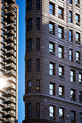 Flatiron Building in New York - p900m880279 by Michael Moser