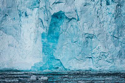 Lilliehook Glacier, Spitsbergen, Svalbard, Norway - p924m2074695 by Delta Images