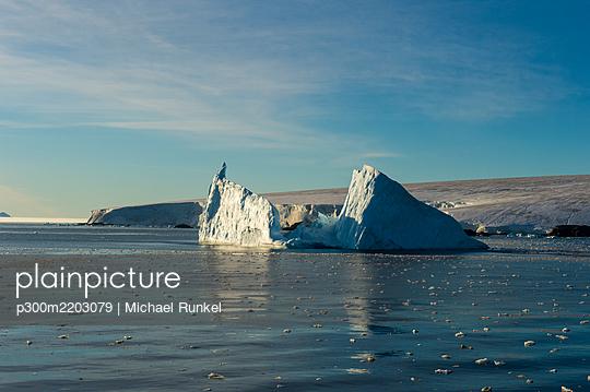 Icebergs floating in Hope Bay - p300m2203079 by Michael Runkel