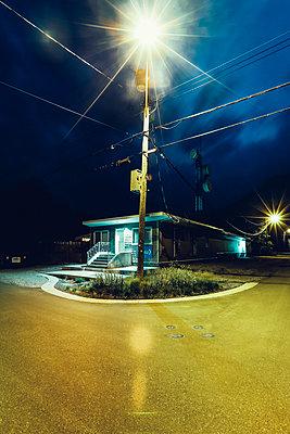 Nachts - p642m1137864 von brophoto