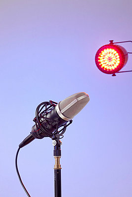 Stage fright - p4641629 by Elektrons 08