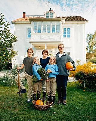 Familienphoto - p3126104 von Sven Olof Jonn