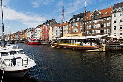 Ausflugsboote in Kopenhagen - p756m2021970 von Bénédicte Lassalle