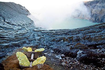 Alien landscape of the Kawah Ijen Sulphur Mines in East Java - p934m1022320 by Dominic Blewett