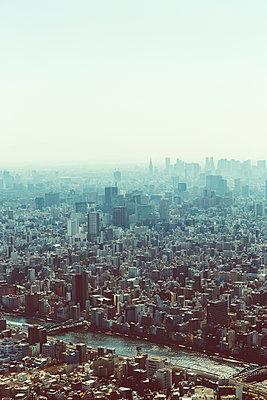 Blick auf Tokio von oben - p432m2116059 von mia takahara